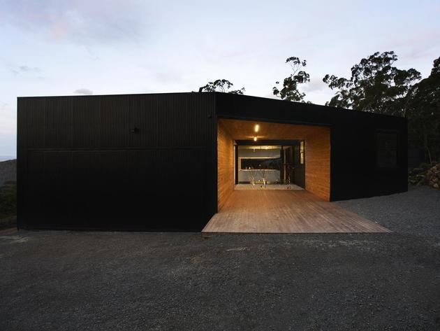 courtyard-house-built-for-severe-tasmanian-weather-5-carport.jpg