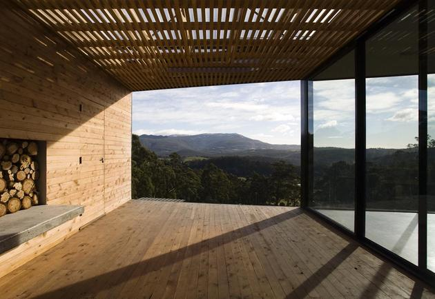 courtyard-house-built-for-severe-tasmanian-weather-8-covered-deck-view.jpg