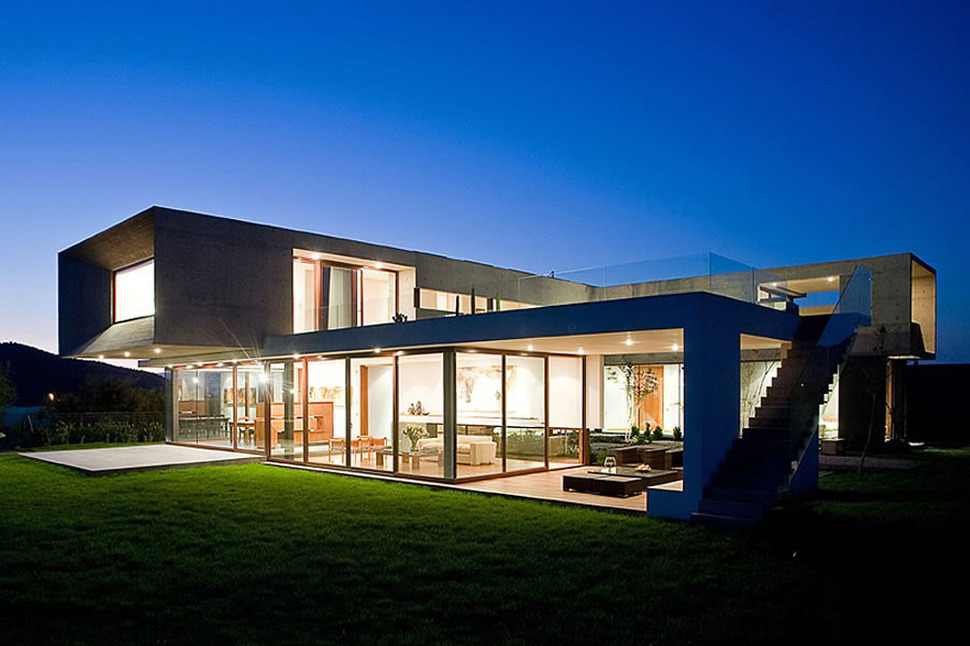 U shaped house with glass lower floor and concrete upper for Modern glass house floor plans