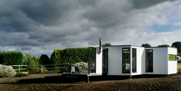 flat-pack-hivehaus-transforms-hexagonal-modular-homes-4-façade.jpg