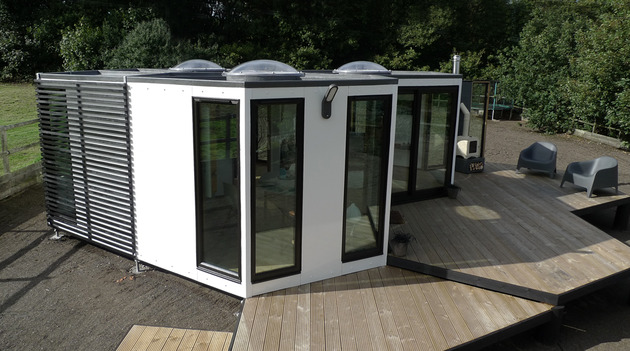 flat-pack-hivehaus-transforms-hexagonal-modular-homes-5-deck.jpg