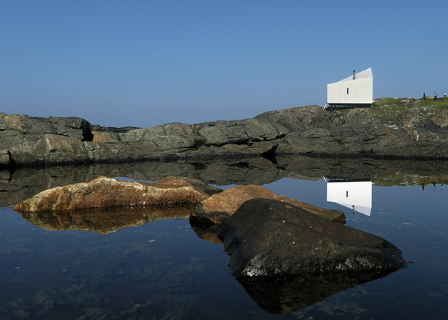 fogo-island-cabins-by-saunders-architecture-14.jpg