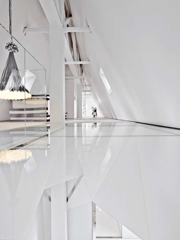 four-level-new-york-penthouse-with-reflective-spiral-slide-9.jpg