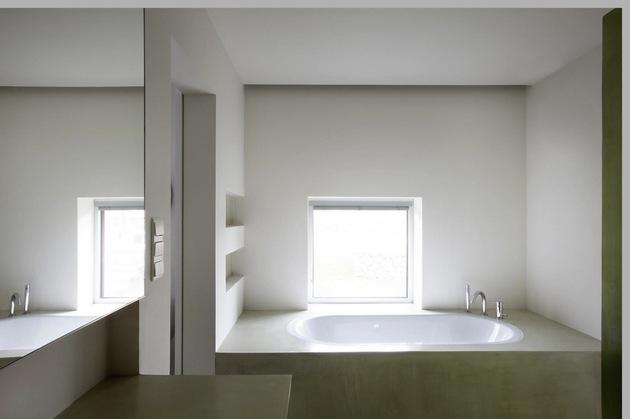 gazebo-style-house-with-wood-shutters-7-bathroom.jpg