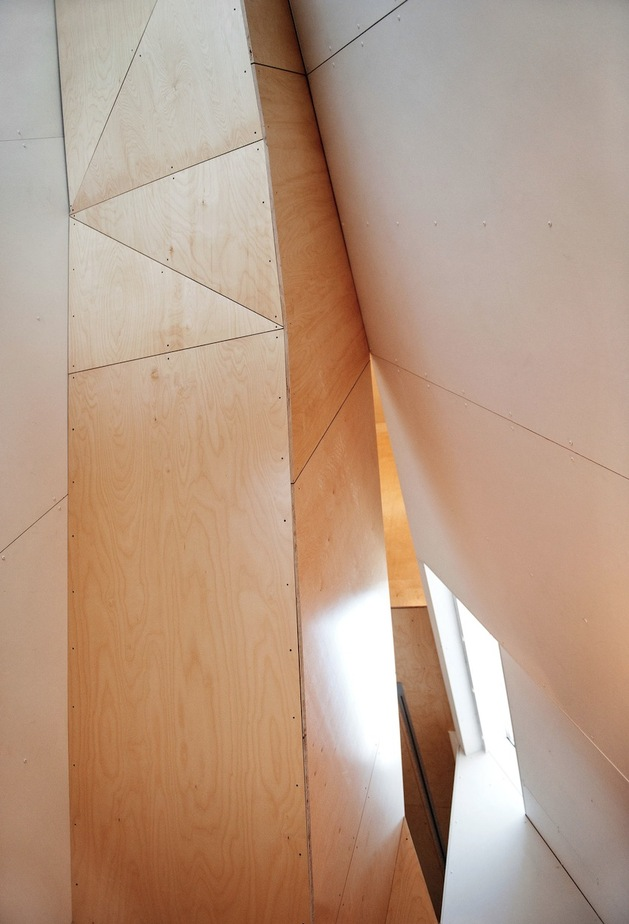 geometric-norwegian-house-with-creative-interior-fixtures-16-wood-geometry.jpg