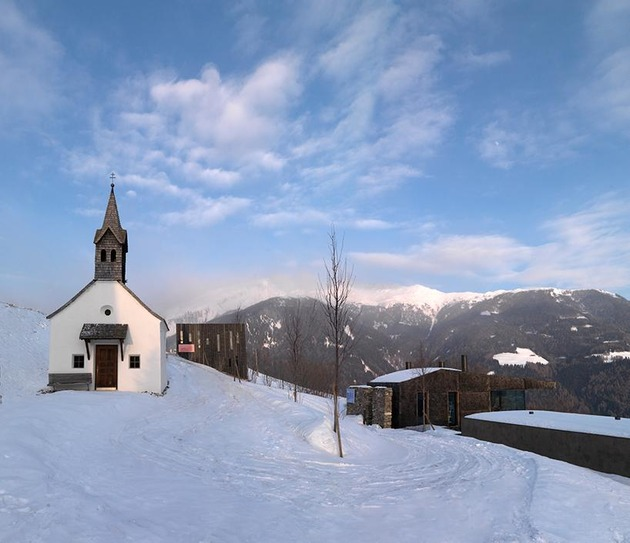home-with-sauna-green-roof-14-winter-complex.jpg