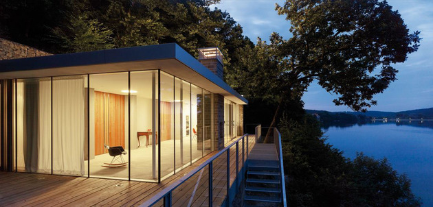 lake-house-above-rur-reservoir-germany-minimalist-masterpiece-3-deck-stairs.jpg