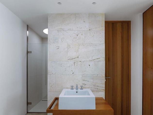 lake-house-above-rur-reservoir-germany-minimalist-masterpiece-9-bathroom.jpg