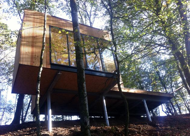 les cabanes de salagnac nestle landscape 40 hectare site 1 site thumb 630x450 24032 Small Vacation Cabin on Stilts