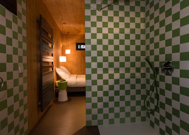 les-cabanes-de-salagnac-nestle-landscape-40-hectare-site-9-bathroom.jpg