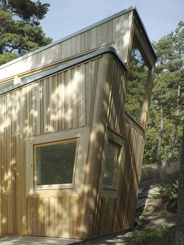 low-impact-no-waste-swedish-house-built-sustainable-wood-lots-5-façade.jpg