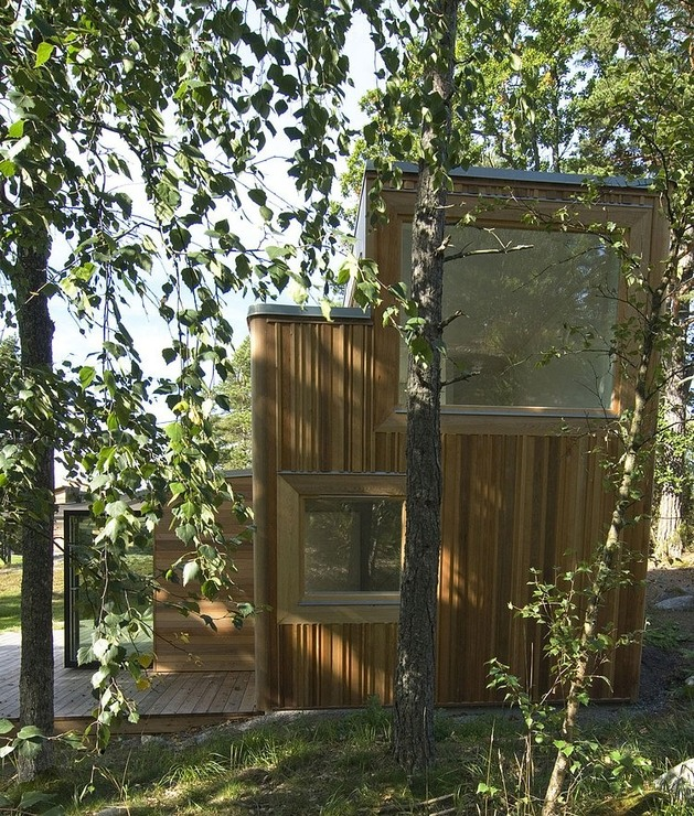 low-impact-no-waste-swedish-house-built-sustainable-wood-lots-6-façade.jpg