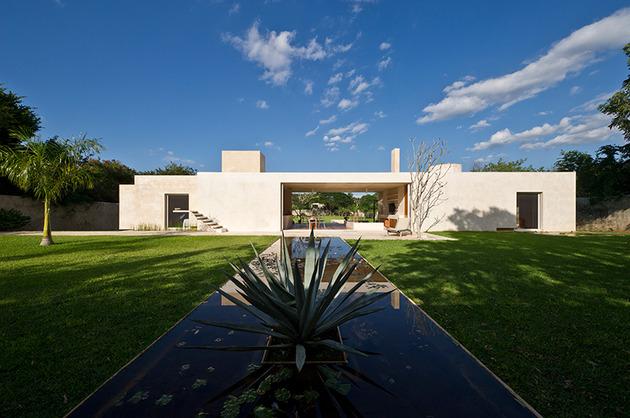 modern hacienda style guest house 1 thumb 630x418 24439 Modern Hacienda style Guest House
