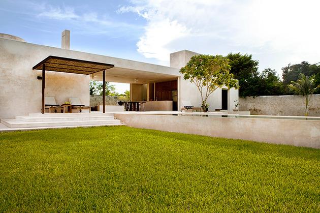 modern hacienda style guest house 2 thumb 630x419 24441 Modern Hacienda style Guest House