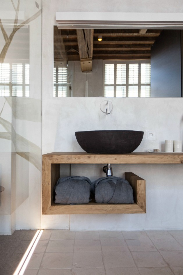modern-rustic-inspiration-belgium-features-exposed-ceilings-12-light-vanity.jpg