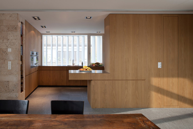old-farmhouse-conversion-into-office-space-6.jpg