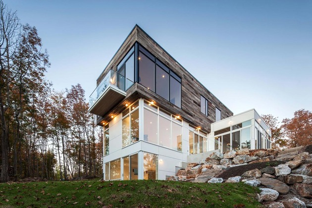 quebec-home-embraces-nature-with-glazing-and-open-interior-4.jpg