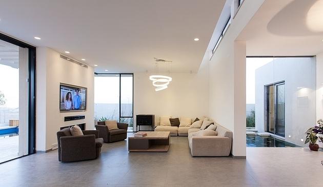 simple-pool-family-home-design-in-israel-7.jpg