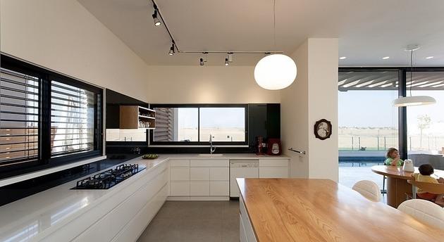 simple-pool-family-home-design-in-israel-8.jpg