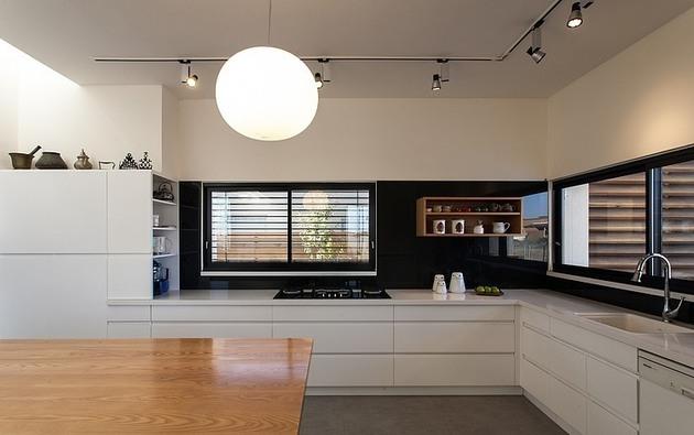 simple-pool-family-home-design-in-israel-9.jpg