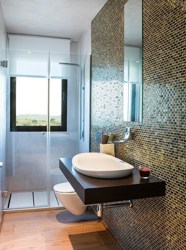 spanish-family-home-with-comfortably-contemporary-open-space-appeal-14-bathroom-tile.jpg