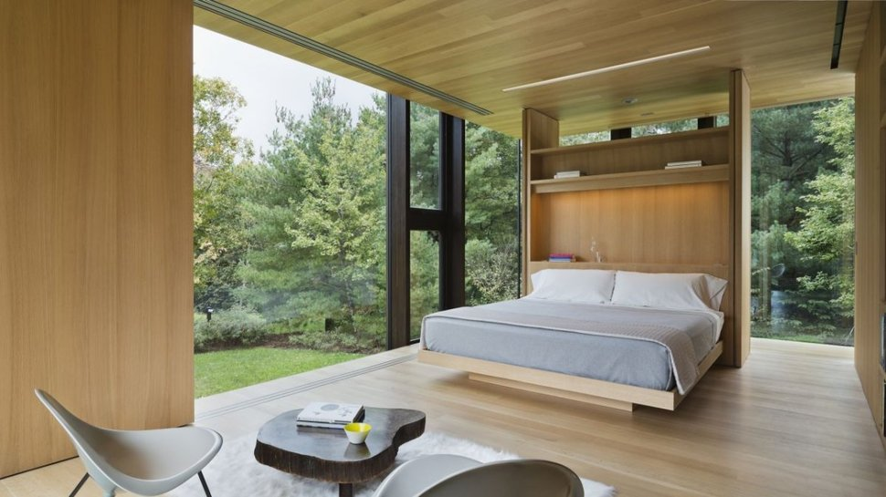 Steel Frame Sustainable Weekend House with Allglass Facade