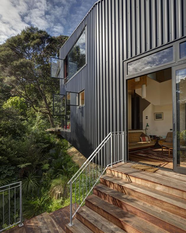 tall-dark-handsome-4-split-level-home-auckland-10-living-deck.jpg