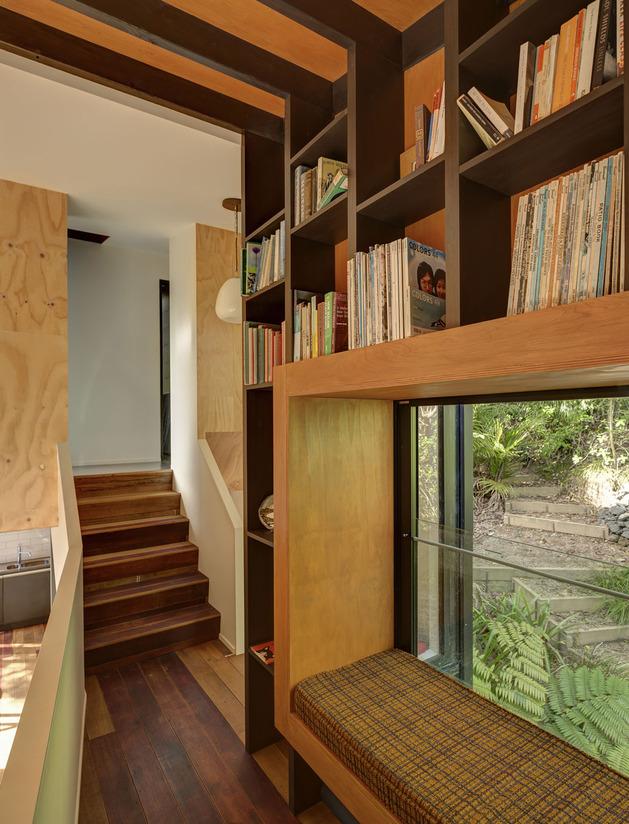 tall-dark-handsome-4-split-level-home-auckland-14-mezzanine.jpg