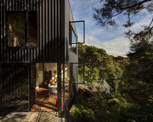 tall-dark-handsome-4-split-level-home-auckland-3-decks.jpg