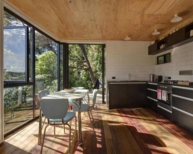 tall-dark-handsome-4-split-level-home-auckland-6-dining.jpg