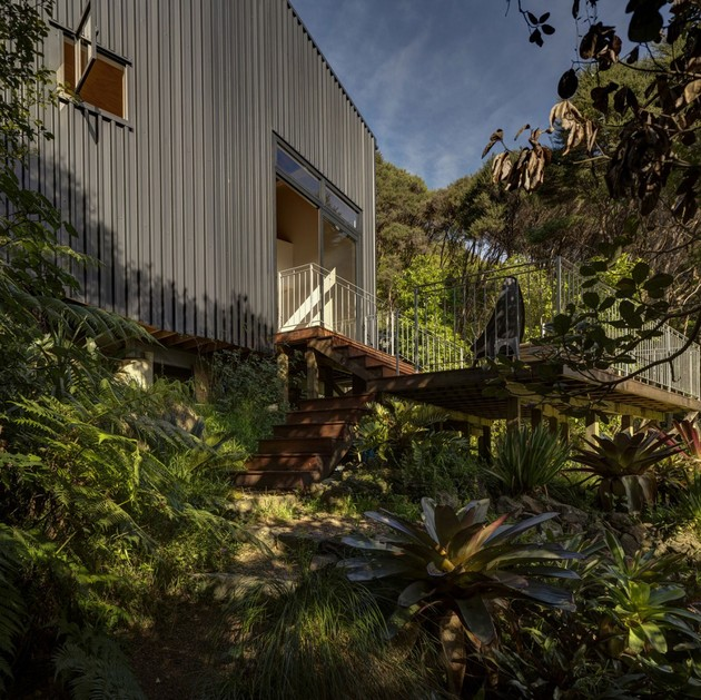 tall-dark-handsome-4-split-level-home-auckland-9-living-deck.jpg