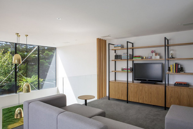 traditional-cottage-new-zealand-expanded-modern-box-house-14-mezzanine.jpg