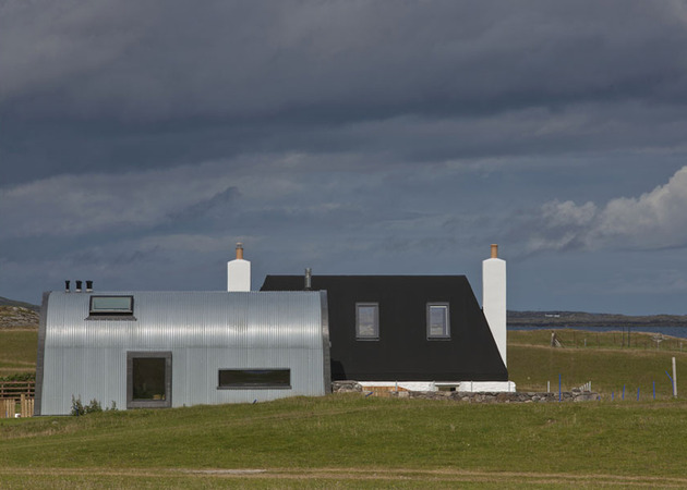 traditional-scottish-cottage-reinvented-with-chic-agricultural-industrial-flair-3-rear-straight.jpg
