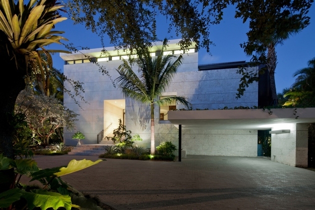 traditional street facade hides modernist home miami lake 2 façade thumb 630x420 23283 Traditional Street Facade Hides Modernist Home on Miami Lake