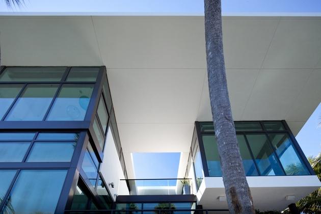 traditional-street-facade-hides-modernist-home-miami-lake-8-terrace.jpg