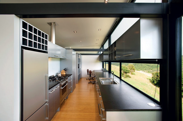 truss-style-new-zealand-glass-house-with-complex-interior-10-kitchen.jpg
