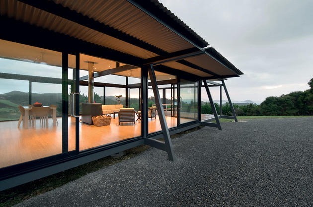 truss-style-new-zealand-glass-house-with-complex-interior-6-glass-wall.jpg
