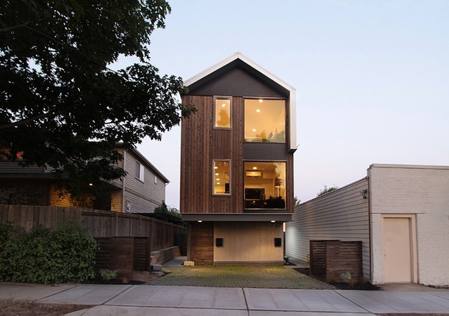 vertical house raises sustainable seattle living to new heights 1 thumb 630x443 24062 Vertical House Raises Sustainable Seattle Living to New Heights