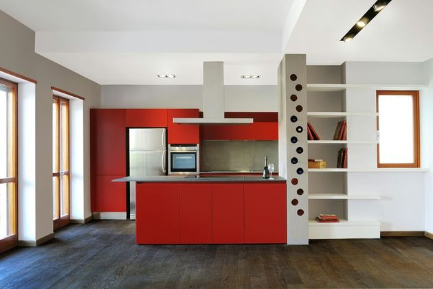 vibrant-colour-suspended-ceilings-define-modern-apartment-italy-7-kitchen.jpg