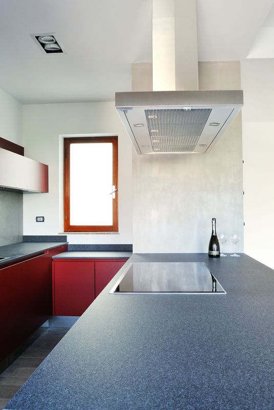 vibrant-colour-suspended-ceilings-define-modern-apartment-italy-9-kitchen.jpg