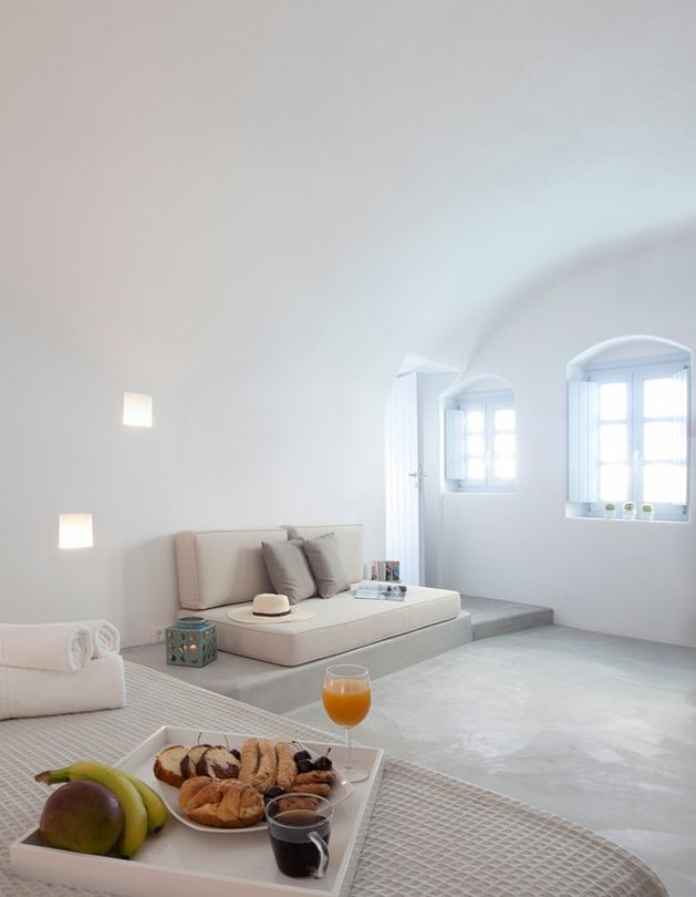 villa-greece-combines-old-world-charm-modern-minimalism-13-bedroom.jpg