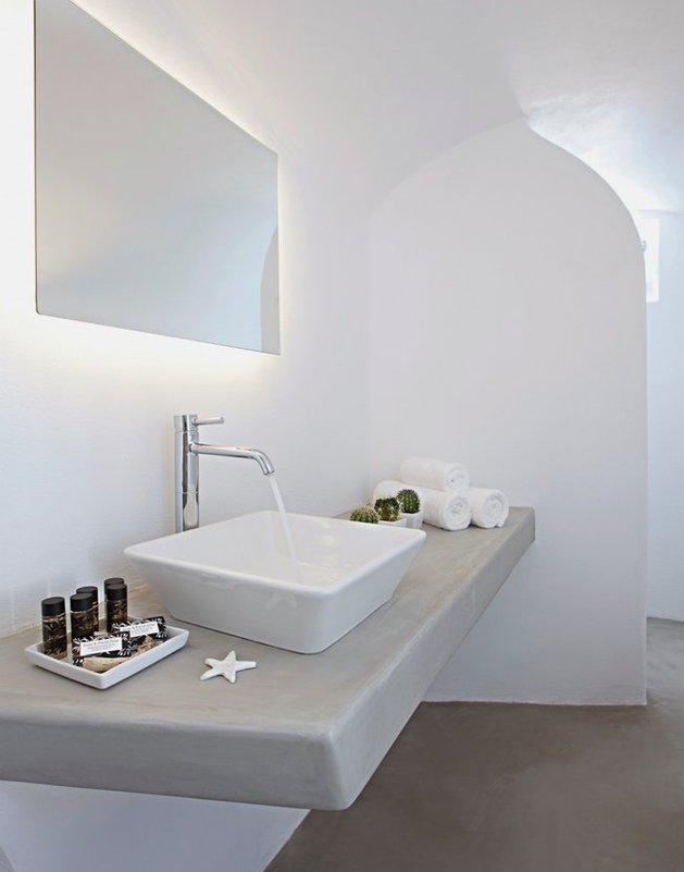 villa-greece-combines-old-world-charm-modern-minimalism-17-bathroom2.jpg