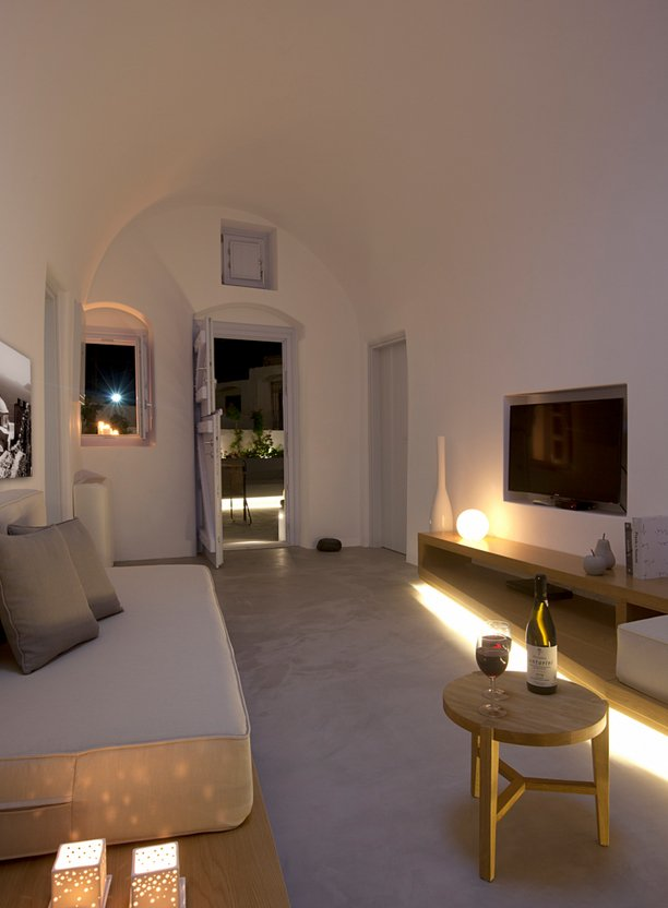 villa-greece-combines-old-world-charm-modern-minimalism-7-lounge.jpg