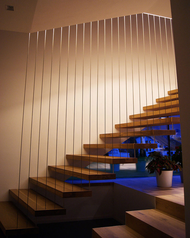 2-in-1-building-with-asymmetrical-volumes-13.jpg