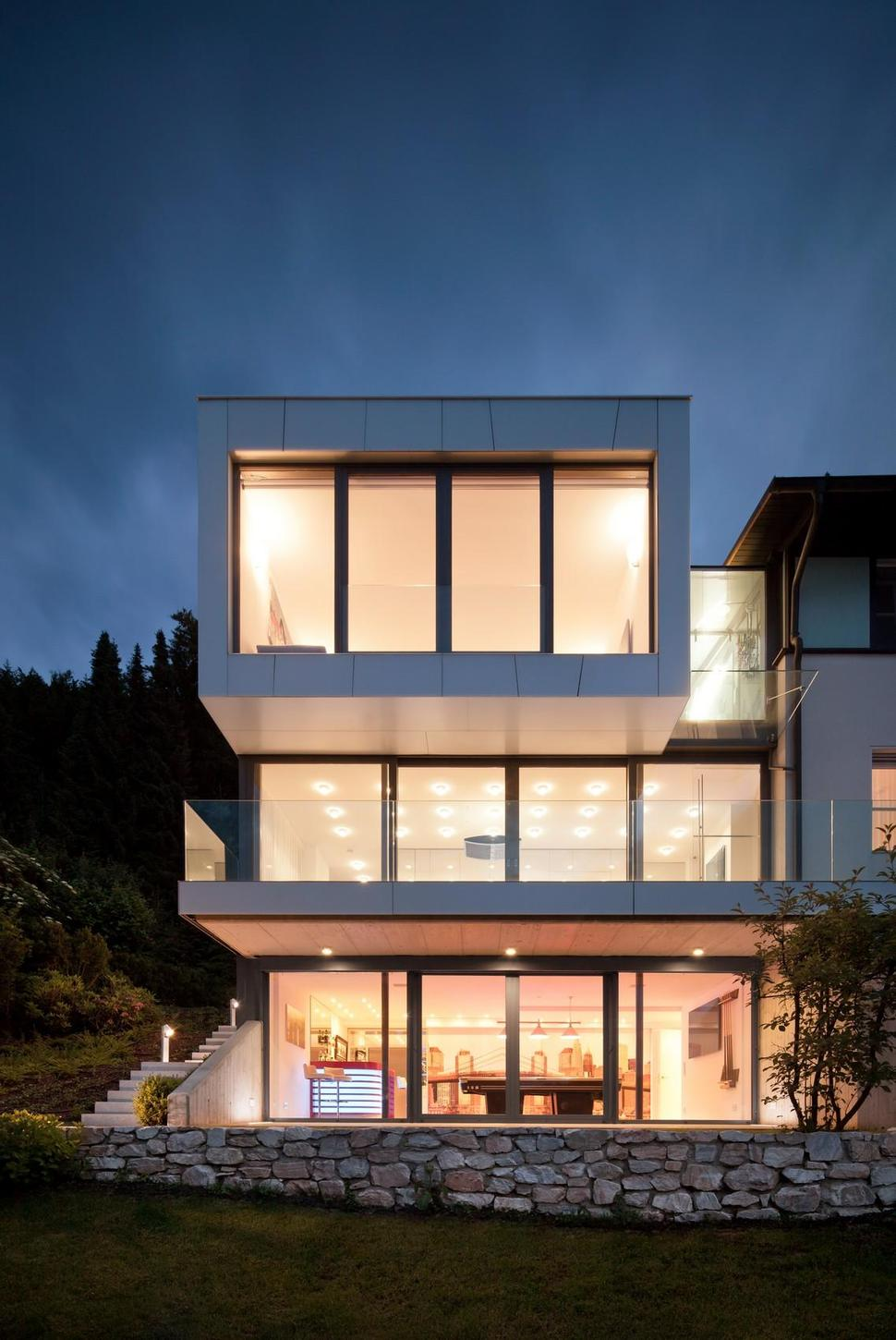 3 Storey Home Addition Takes Advantage of Dockside Views
