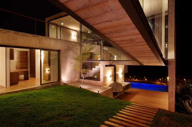 alfresco-house-with-courtyard-glass-walls-and-concrete-interiors-9.jpg
