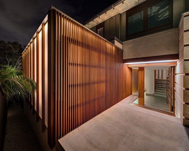 australian-home-with-spotted-gum-wood-details-pool-3-entry.jpg