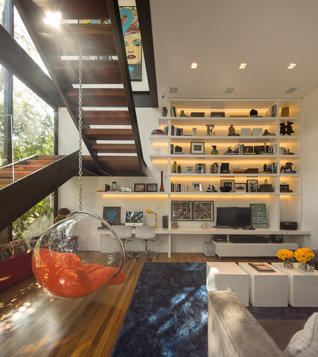 brazil-house-brings-indoors-out-with-glass-wall-design-14.jpg