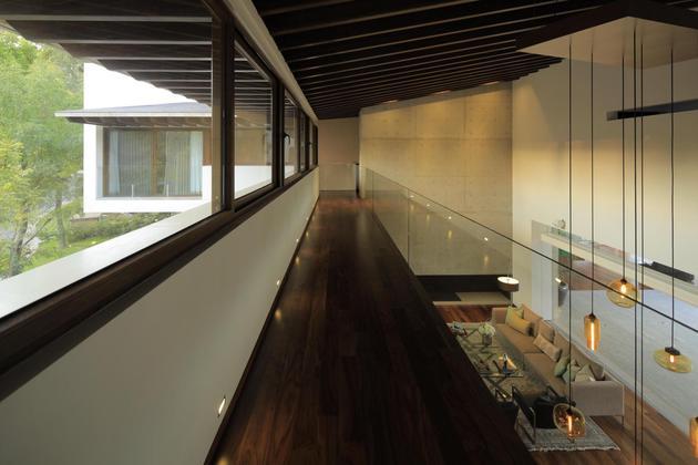 casa-siete-opens-wide-front-back-false-façade-19-mezzanine.jpg