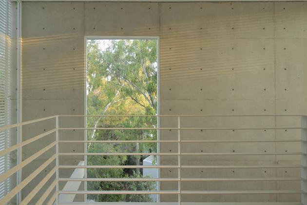 casa-siete-opens-wide-front-back-false-façade-22-railing.jpg